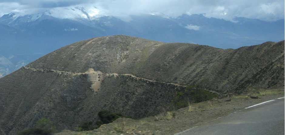road on cordillera to Caraz